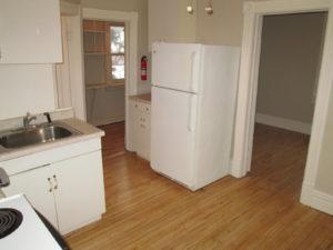 716 E 4th Street Kitchen