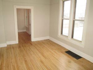 716 E 4th Street Room