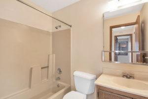 Anchor Point Apartments bathroom