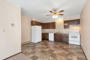 Driftwood Plaza Apartments kitchen 2