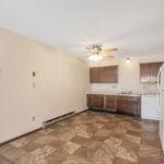 Driftwood Plaza Apartments kitchen 3