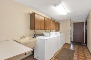 Driftwood Plaza Apartments laundry