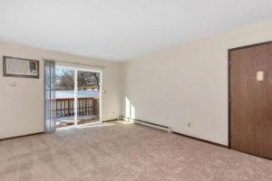 Driftwood Plaza Apartments room