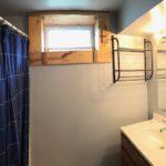 115 E Niagara St bathroom