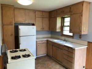 115 E Niagara St kitchen