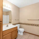 Willow Creek Apartments bathroom