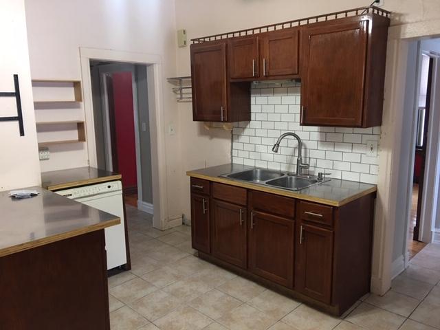 1507 E 3rd Street Kitchen