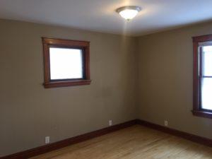 1507 E 3rd Street room