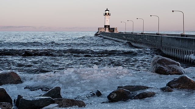 Canal Park Duluth lighthouse