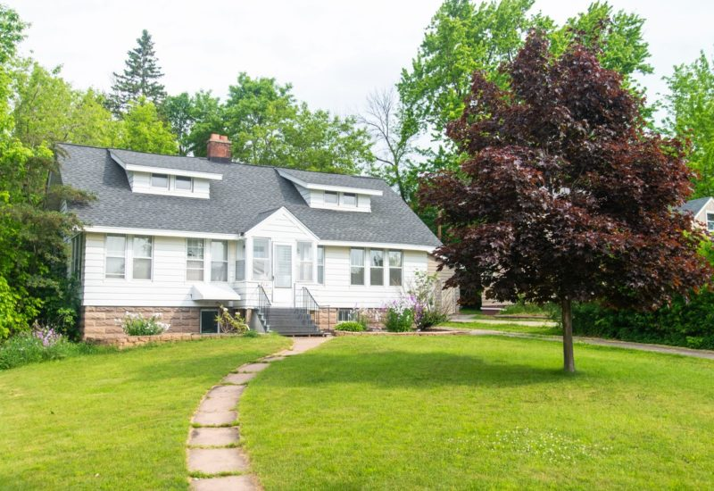 3131-e-superior-st-duluth-home-rental
